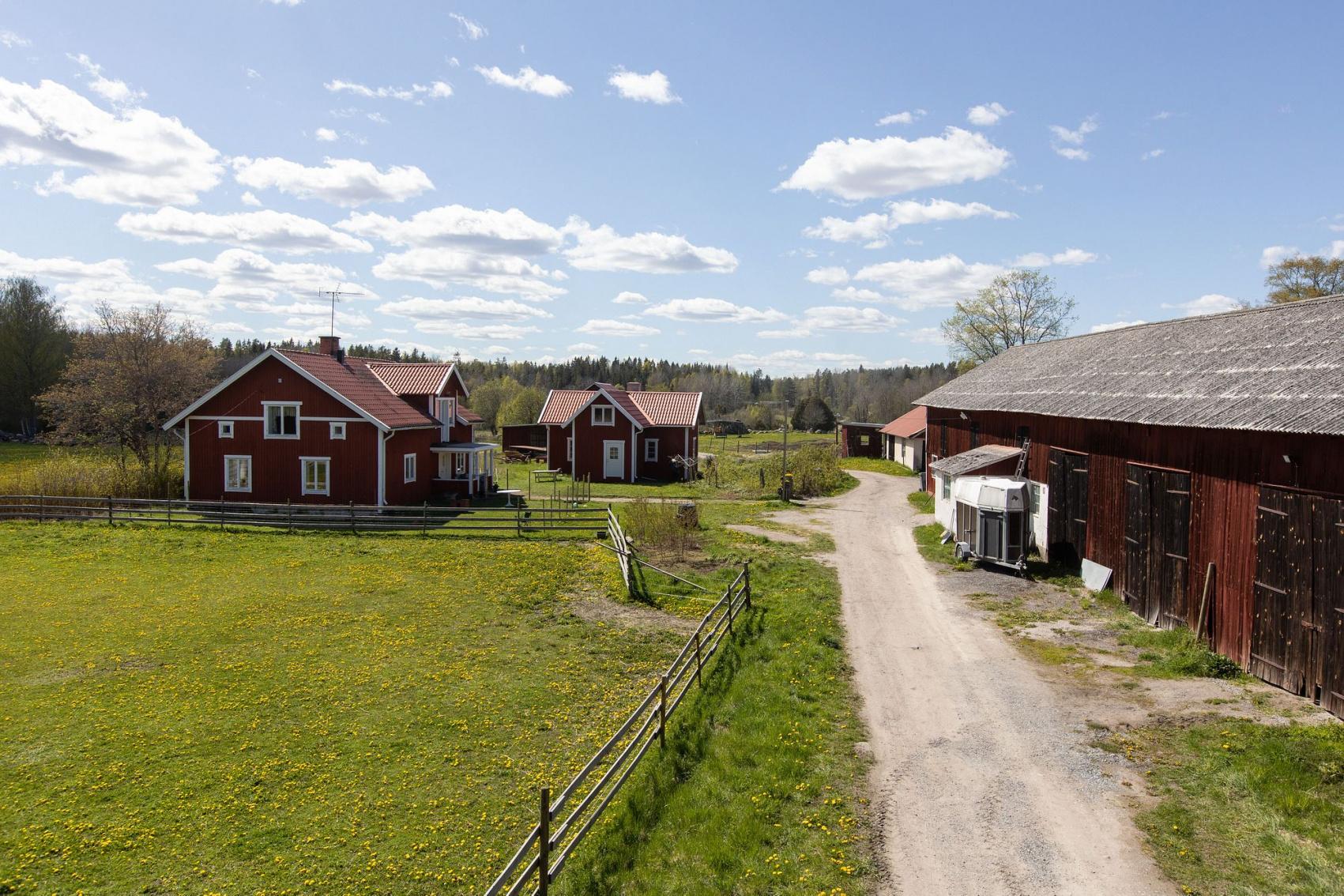 Grd i Smara, Edsbro - Carlsson Ring